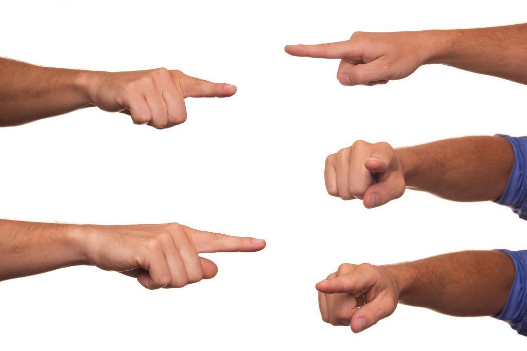 signaler doigts
